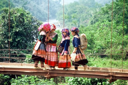 flower_hmong_girls,_sapa[1]