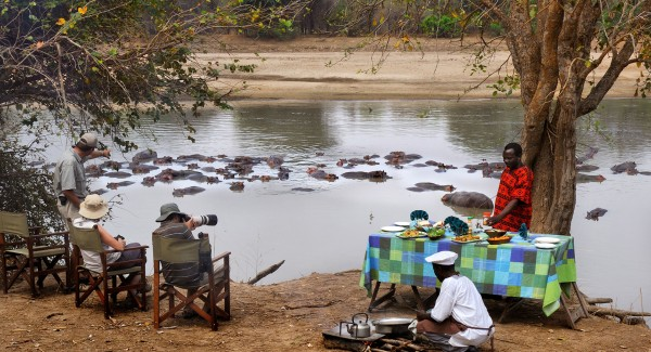 MWALESHI-CAMP---breakfast-with-hippos