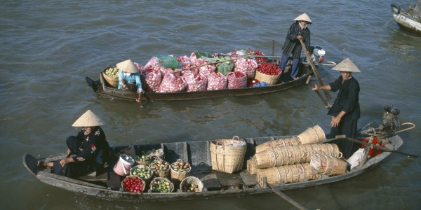 Cai Be_Tien Giang_Vietnam_Floating market (3)