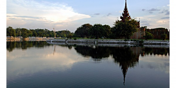 mandalay_palace,_myanmar[1]