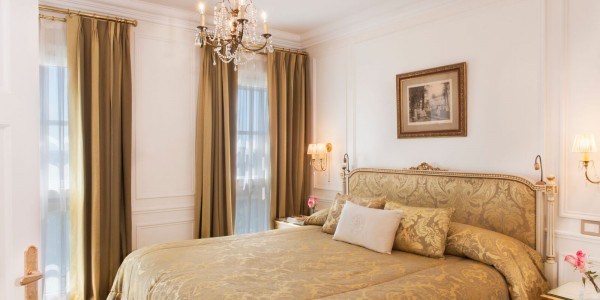 AR - Buenos Aires - Alvear Palace - Luxury Suite bedroom