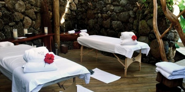 Chile - Easter Island - Hare Noi - Massage