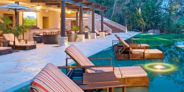Guatemala - Flores & Tikal - Las Lagunas Hotel - Pool