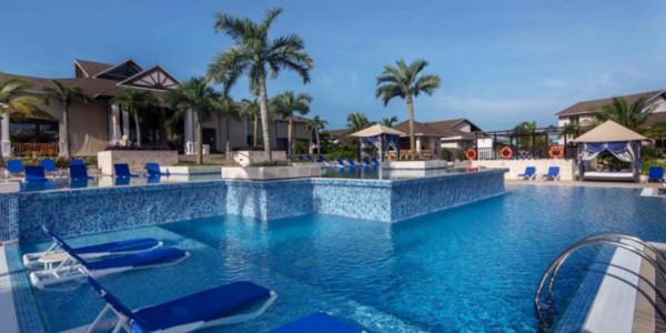 Cuba - Beaches of Cuba - Royalton Cayo Santa Maria - Pool