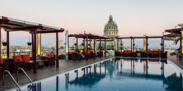 Cuba - Havana - Saratoga - Pool
