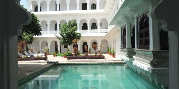 India - Rajasthan - Amit Haveli - Pool