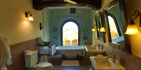 India - Rajasthan - Mihir Garh - Alishan Suite Bathroom