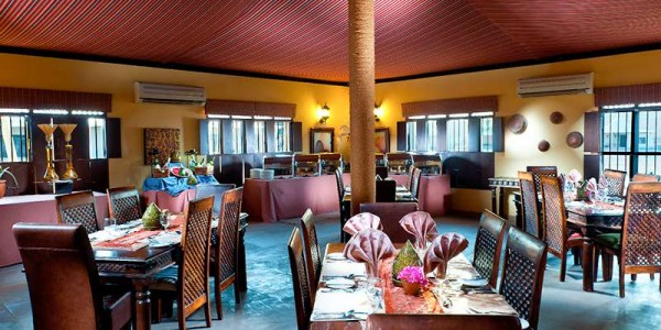 Oman - Wahiba Sands - Desert Nights Camp - Restaurant 2