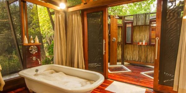 Botswana - Linyanti, Selinda & Kwando - Lebala Camp - Bathroom
