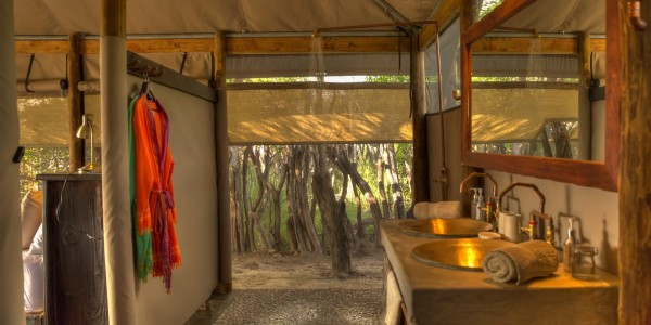 Botswana - Makgadikgadi - Meno a Kwena - Bathroom