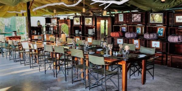Botswana - Makgadikgadi - Meno a Kwena - Dining