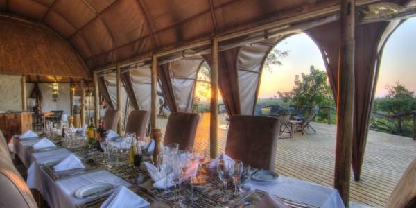 Botswana - Moremi - Okuti Camp - Restaurant