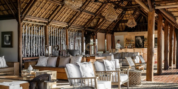 Botswana - Moremi - Sanctuary Chief's Camp - Bar