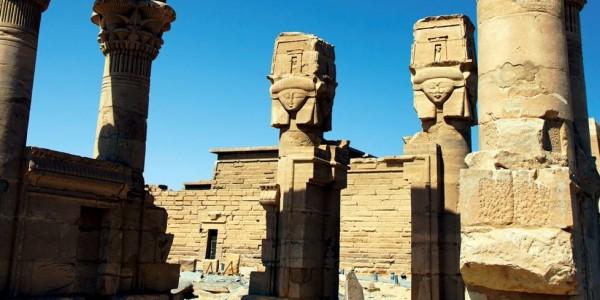 Egypt - Abu Simbel - Movenpick MS Prince Abbas - Ruins