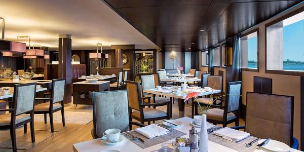 Egypt - Nile Cruises - Oberoi Philae - Restaurant