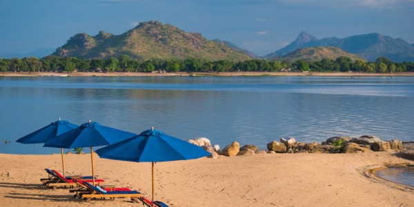 Malawi - Lake Malawi - Pumulani - Beach (credit Robin Pope Safaris)