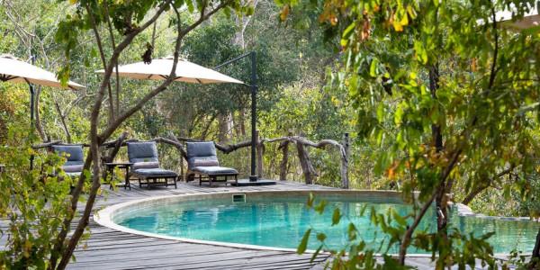 Malawi - Majete Wildlife Reserve - Mkulumadzi Cottage - Pool (credit Robin Pope Safaris)