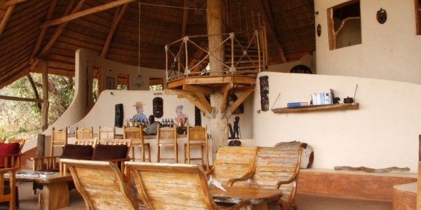 Malawi - Nkhotakota Wildlife Reserve - Tongole Wilderness Lodge - Bar