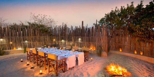 Mozambique - Bazaruto Archipelago - Santorini Mozambique - Dining