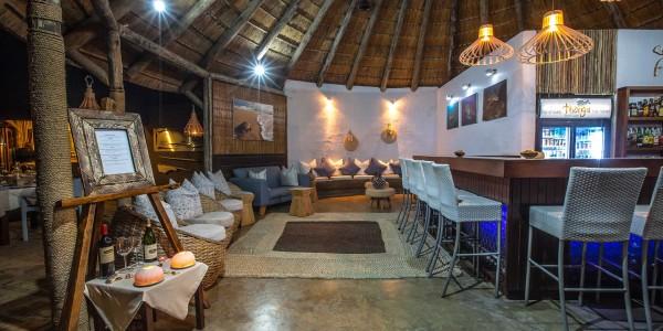 South Africa - Kwazulu Natal - Thonga Beach Lodge - Bar