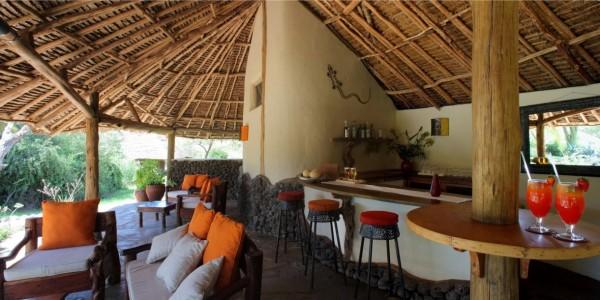 Kenya - Amboseli - Tortilis Camp - Pool Bar