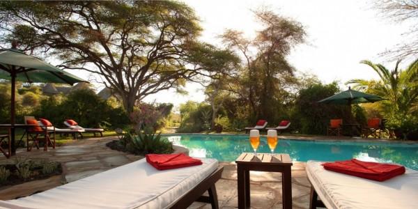 Kenya - Amboseli - Tortilis Camp - Swimming Pool