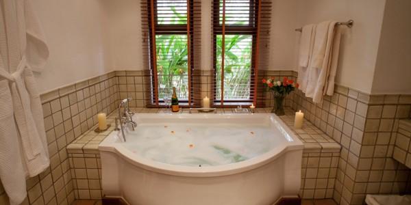 Tanzania - Arusha - Legendary Lodge - Bathroom