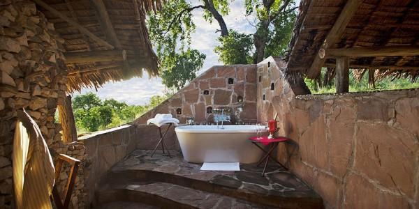 Tanzania - Selous Game Reserve - Beho Beho Camp - Bathroom
