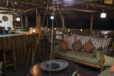 Uganda - Bwindi National Park - Buhoma Lodge - Bar