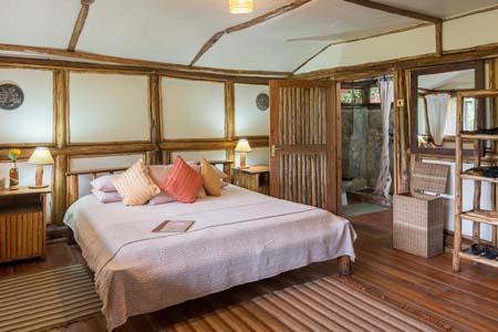 Uganda - Bwindi National Park - Buhoma Lodge - Bedroom