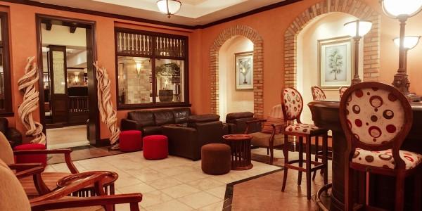 Uganda - Entebbe, Jinja & Kampala - Lake Victoria Serena Golf Resort & Spa - Kigo Bar
