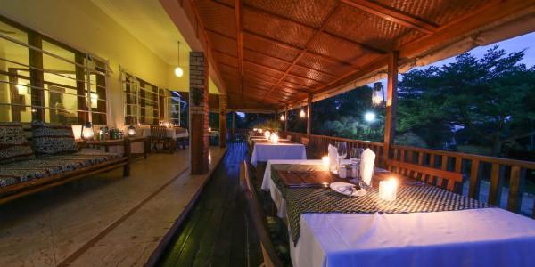 Uganda - Entebbe, Jinja & Kampala - Papyrus Guesthouse Entebbe - Dining