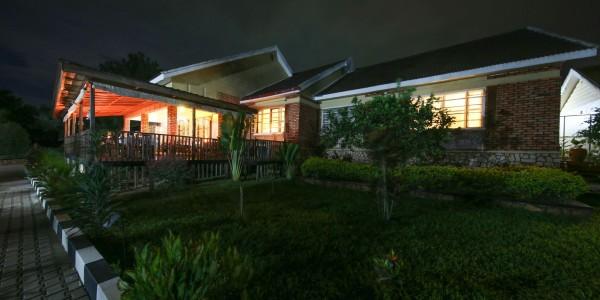 Uganda - Entebbe, Jinja & Kampala - Papyrus Guesthouse Entebbe - Main House