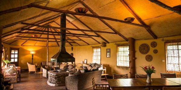 Uganda - Mgahinga Gorilla National Park - Mount Gahinga Lodge - Lounge