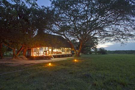 Uganda - Murchison Falls National Park - Baker's Lodge - Outside