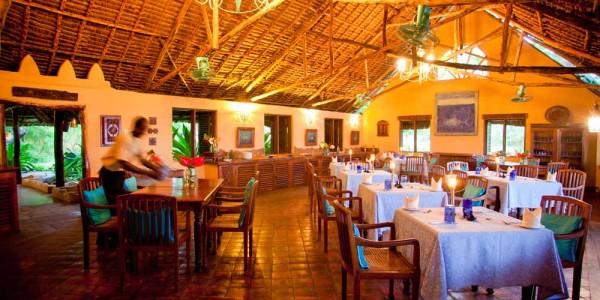 Zanzibar - Mafia Island - Kinasi Lodge - Dining