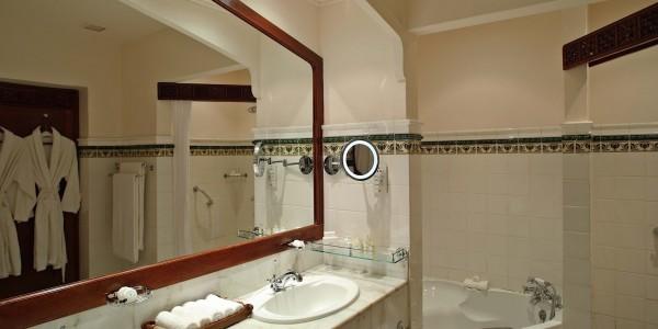 Zanzibar - Zanzibar - Stone Town - Zanzibar Serena Hotel - Executive Suite Bathroom