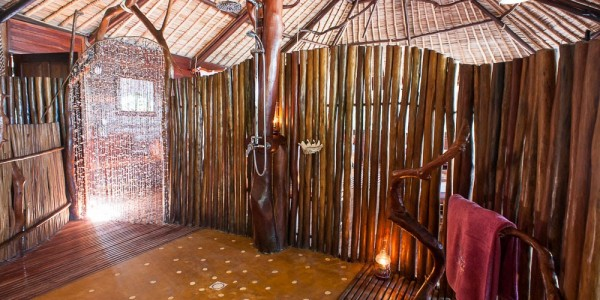 Madagascar - South-East Madagascar - Madaclassic -Manafiafy Beach & Rainforest Lodge - Shower