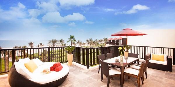 ja-palm-tree-court---residence---hero
