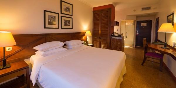 Kenya - Nairobi - Ole Sereni - Superior Room