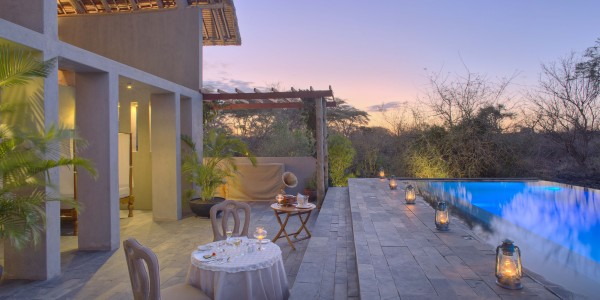 Kenya - Tsavo & Chyulu Hills - Finch Hattons Luxury Tented Camp - Pool