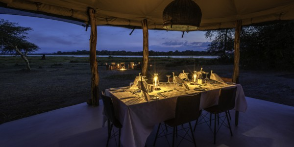 Malawi - Liwonde National Park - Kuthengo Camp - Dining