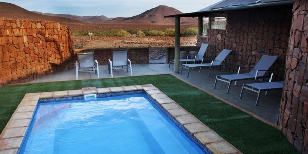 Namibia - Damaraland - Etendeka Mountain Camp - Pool