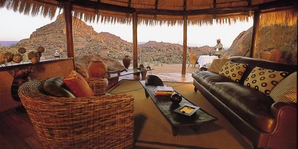 Namibia - Damaraland - Mowani Mountain Camp - Lounge