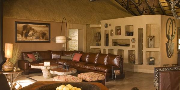 Namibia - Okonjima & The Africat Foundation - Okonjima African Villa - Lounge
