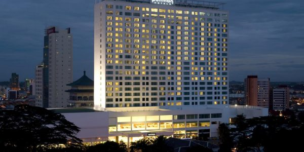 Pullman-Kuching_Exterior-night-1