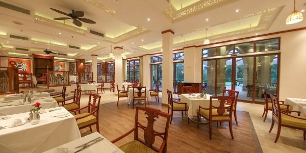 Tanzania - Dar es Salaam - Dar es Salaam Serena Hotel - Dining