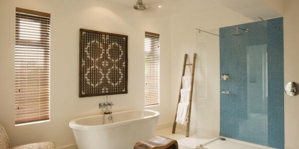 Tanzania - Dar es Salaam - The Oyster Bay Hotel - Bathroom