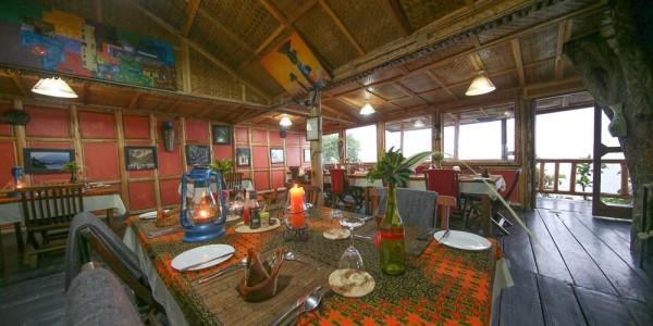 Uganda - Bwindi National Park - Nkuringo Bwindi Gorilla Lodge - Dining