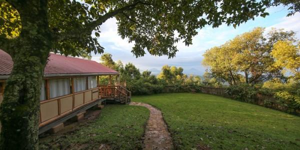 Uganda - Bwindi National Park - Nkuringo Bwindi Gorilla Lodge - Outside